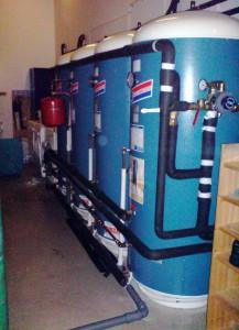 Fire varmvannstanker, ferdig monterte til vannbårne anlegg på Sørlandet