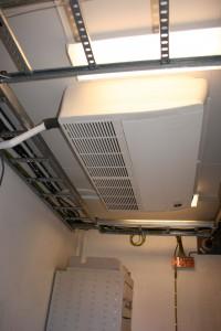 Ferdig installert luft til luft-anlegg i et kontorlokale på Sørlandet